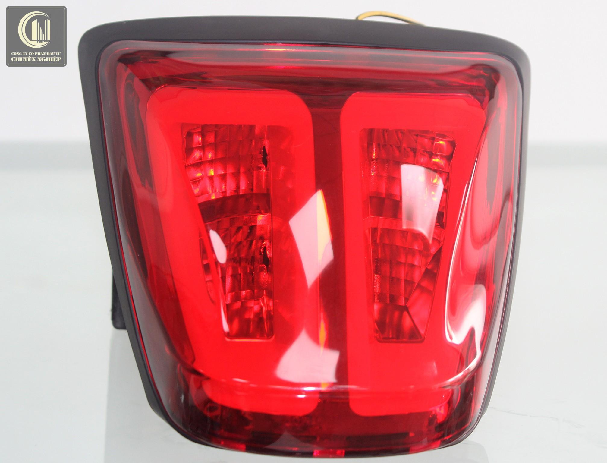 Cụm đèn hậu cực đẹp cho Vespa Sprint